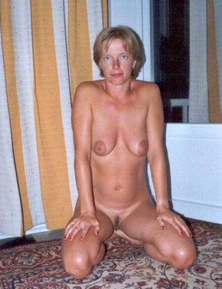 Coquine sexy très chaude cherche un homme réel