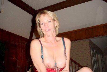 Femme cougar cherche son libertin pour un plan sexe