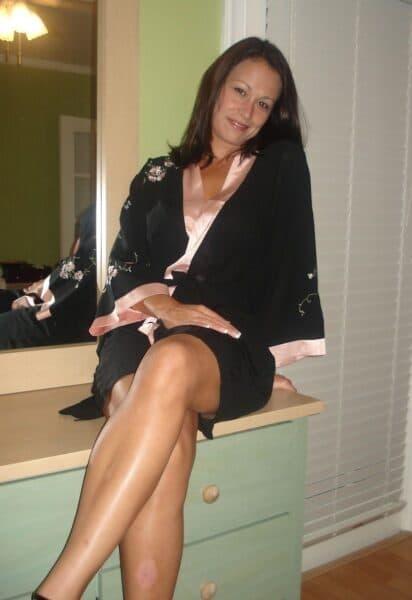 Femme infidèle très sexy cherche un mec clean
