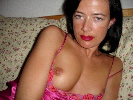 Femme sexy dominatrice pour libertin docile