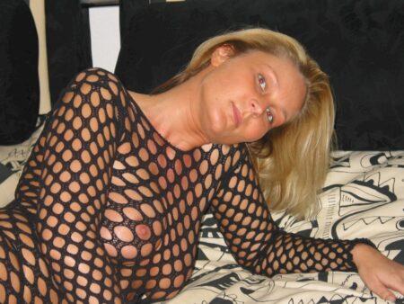 Femme sexy réellement sexy cherche un mec débutant